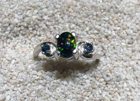 Idaho-Opal-Sapphires