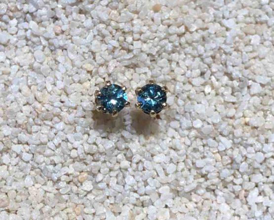 Montana-sapphire-stud-earrings
