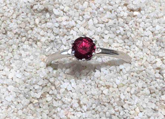 Idaho-Garnet-ring